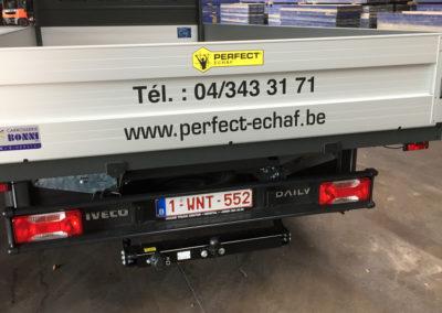 Lettrage de camionnette pour la société Perfecty