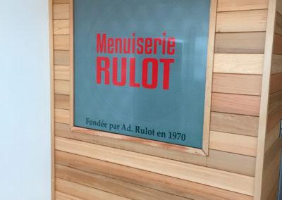 Lettrage microperforé pour la menuiserie Rulot