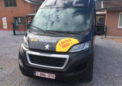Lettrage de camionnette pour le Brico de Haccourt